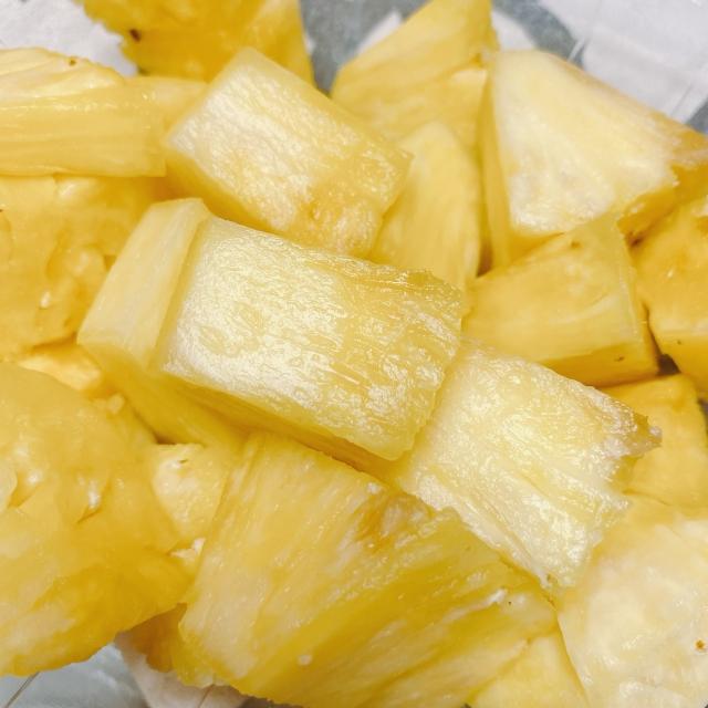 パイナップル,ピリピリ,腐ってる