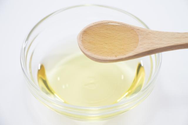 油,白く固まる